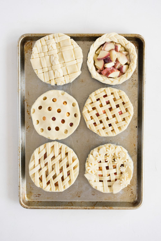 Mini peach pies - individual peach pies, perfect for a picnic, bbq, or summer dessert