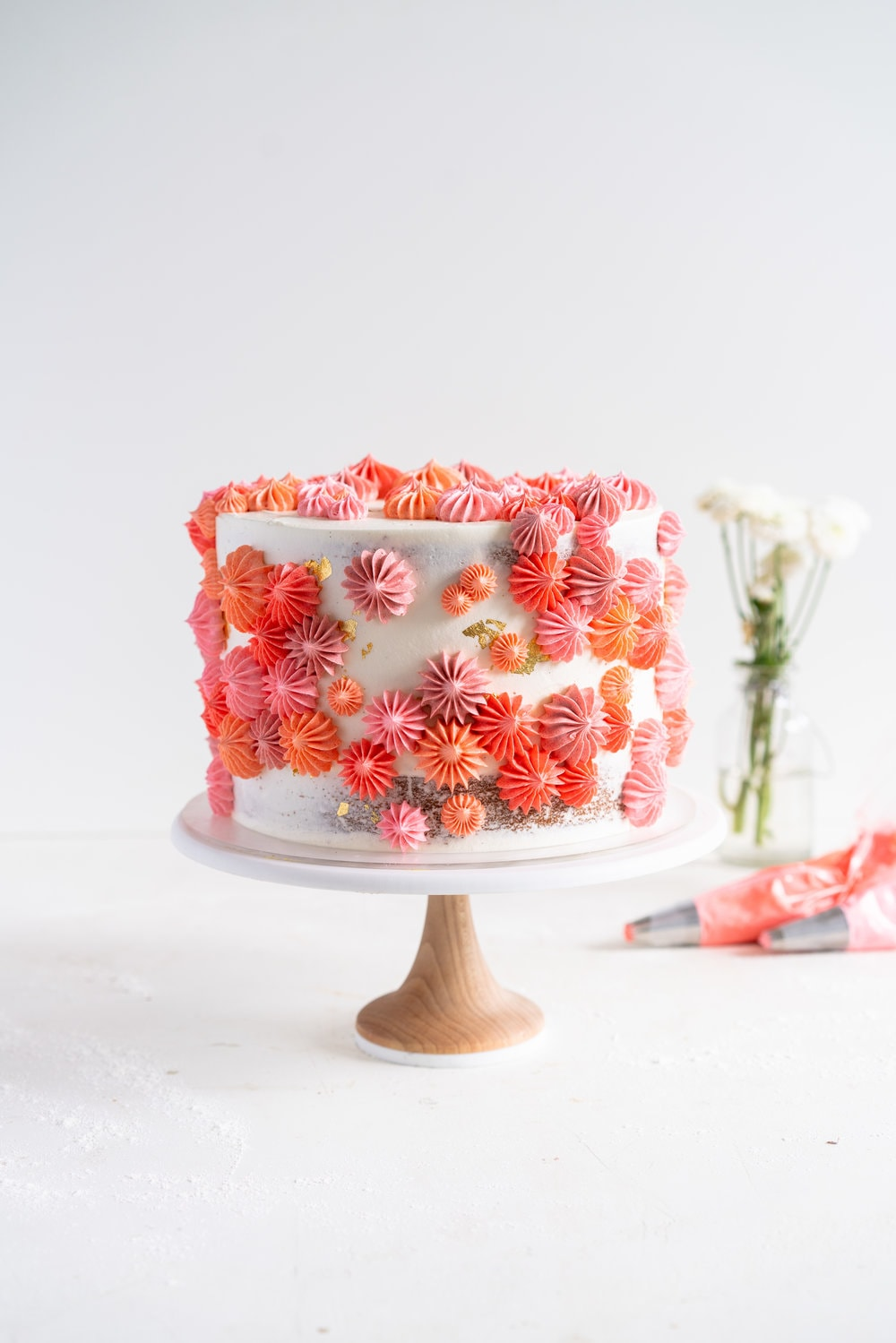 Five layer cakes, two days, and one tiny NYC apartment  - tips and tricks for making a whole bunch of cakes all at once over the course of two days #weddingcake #layercake #deconstructedweddingcake
