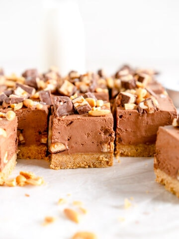 Side shot of No-bake Snickers Cheesecake