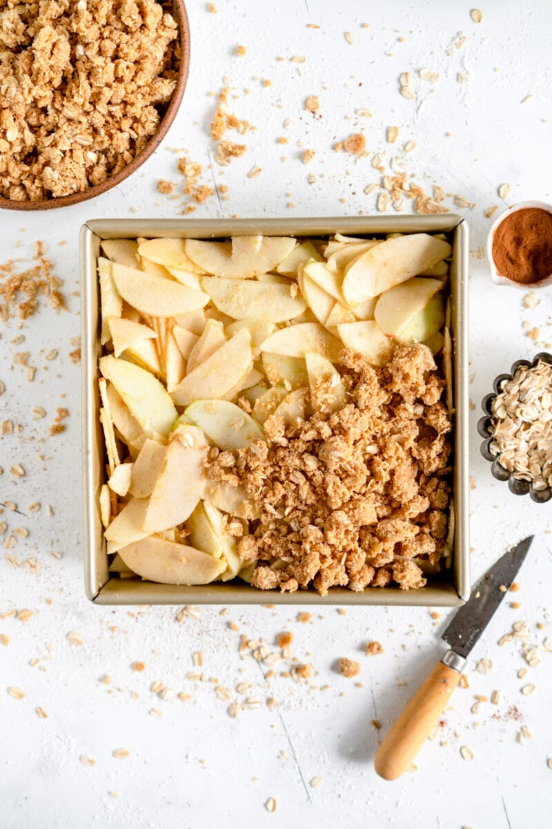 apple crumble with oat crumble topping
