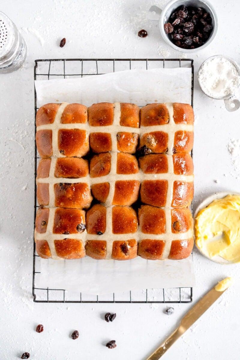 baked soft hot cross buns