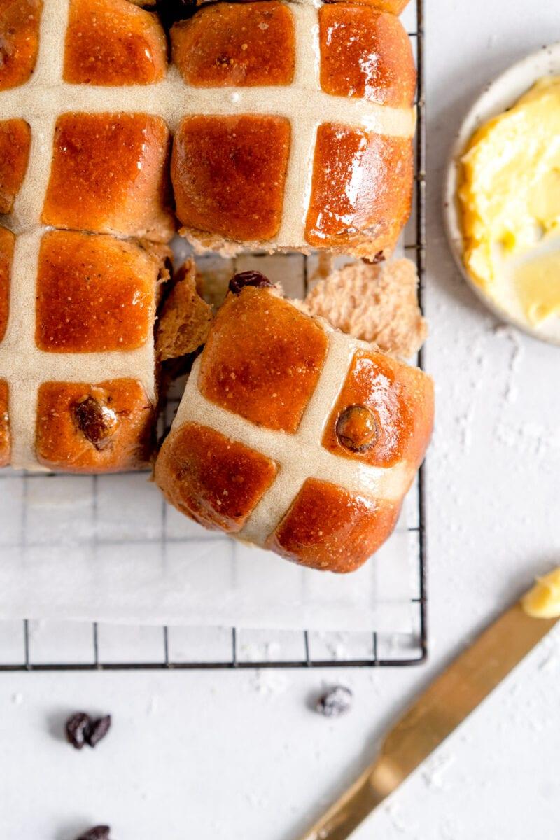 single hot cross bun