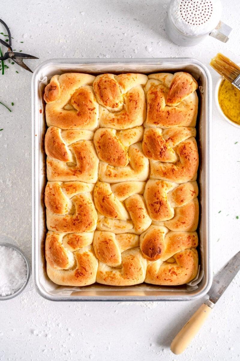 baked garlic knots