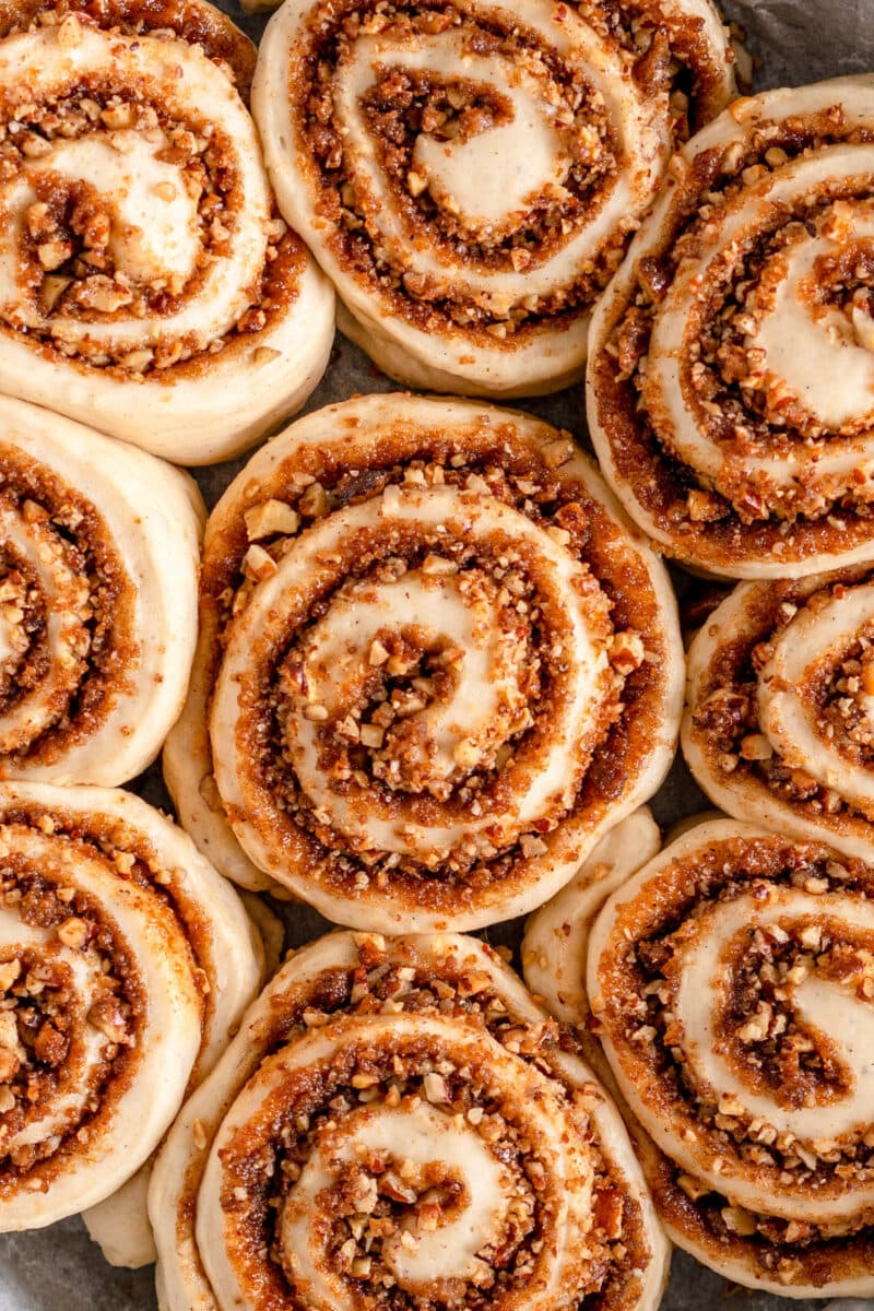 close up vegan cinnamon rolls