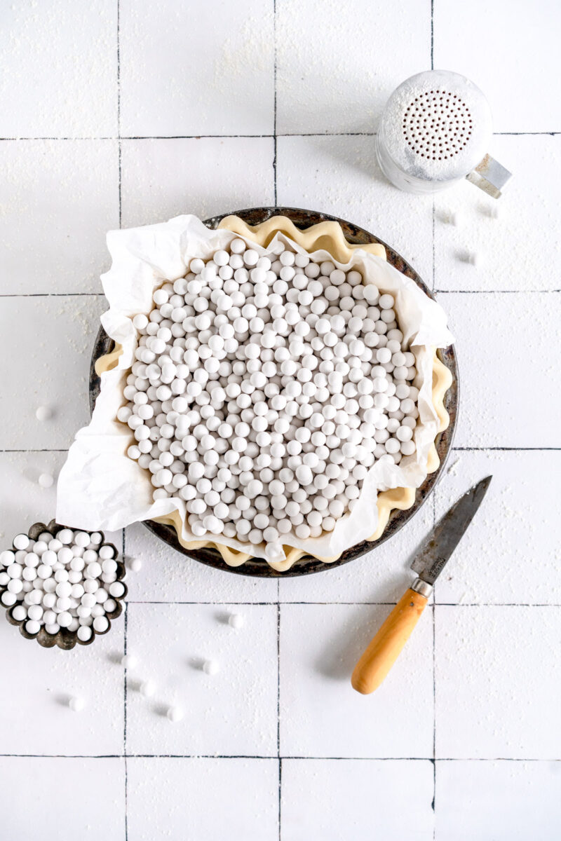 pie crust with weights