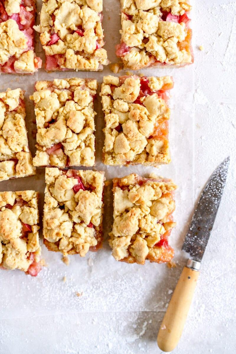corner shot baked rhubarb shortcake bars
