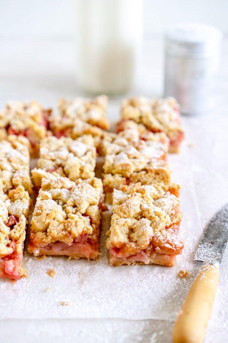 baked cut rhubarb shortcake bars