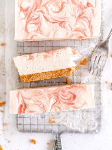rhubarb no bake cheesecake