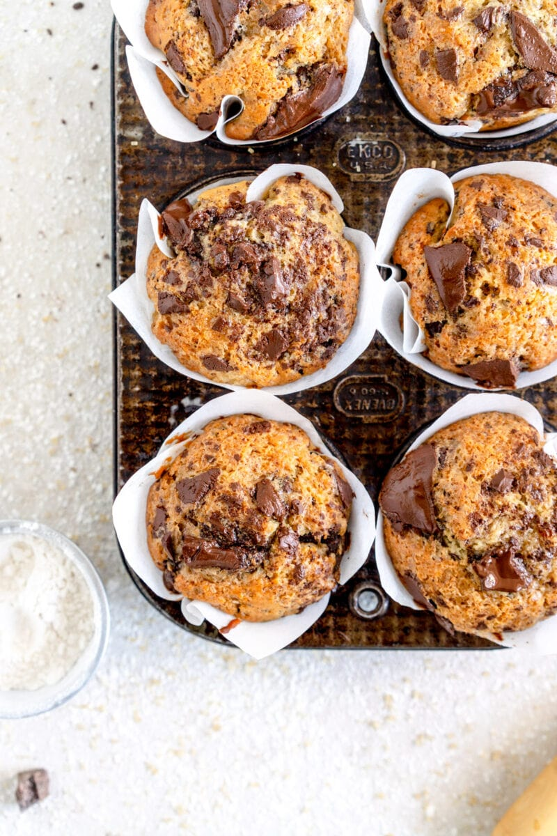 baked vegan muffins