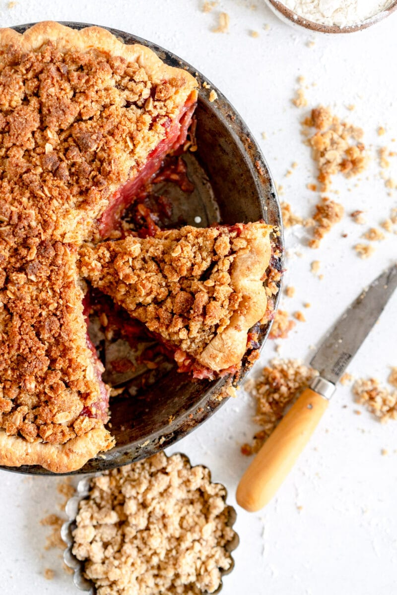 sliced pie with crumble topping
